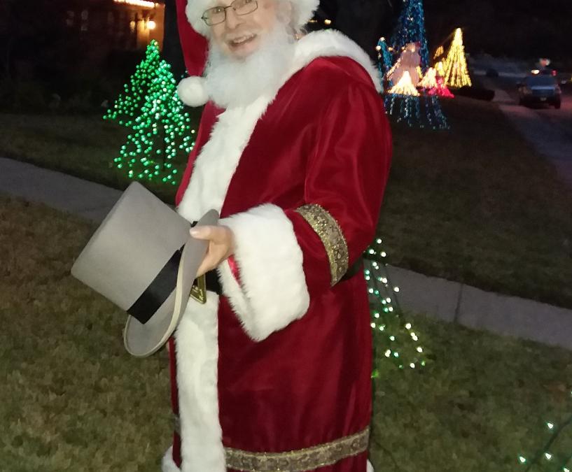 Help Santa This Holiday Season